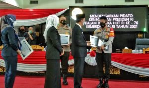 Kapolrestabes Palembang dan Kapolsek Kertapati Raih Penghargaan