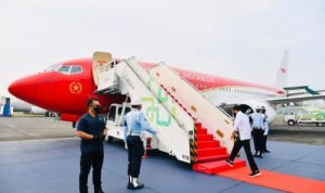 Pesawat Kepresidenan Tampil Perdana dengan Polesan Baru