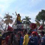 Arus Melawan Sambangi Pemkot Palembang tolak UU Omnibus Law