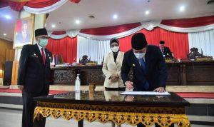 Gubernur Bersama Ketua DPRD Sumsel Tandatangani Pembentukan CDP Kab. Kikim Area
